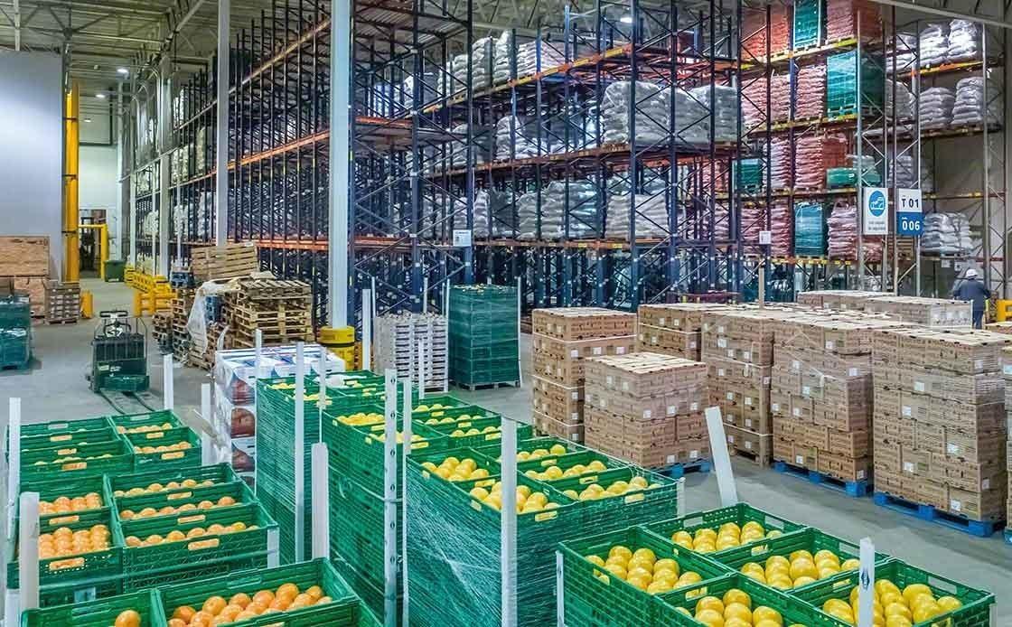 Almacén de fruta fresca, para cuya correcta conservación es preciso evitar romper la cadena de frío.