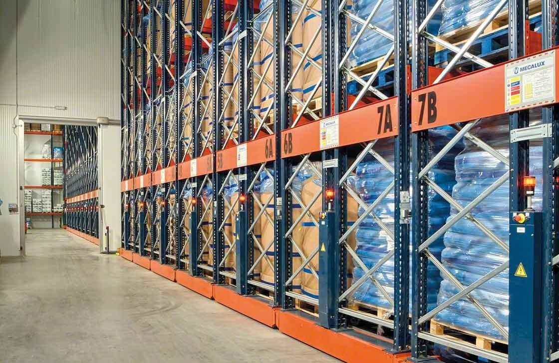 Las estanterías móviles Movirack han conseguido aumentar la capacidad del almacén frigorífico de Iberfresco