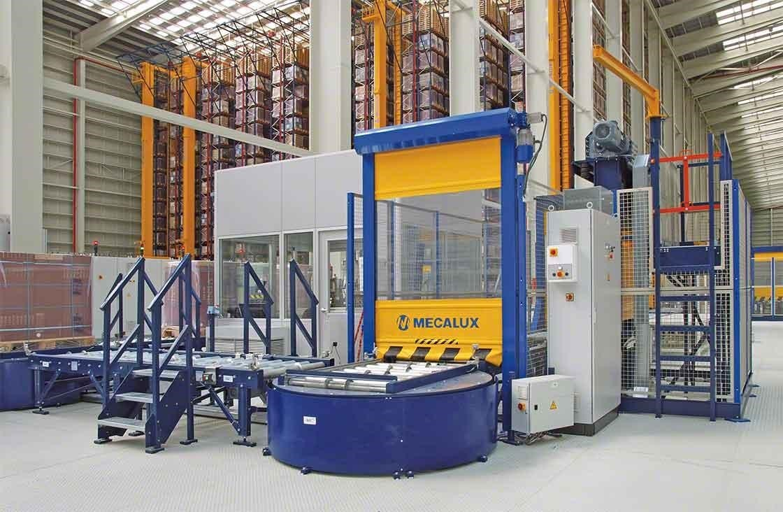 En almacenes automáticos, el puesto de inspección de paletas se encarga de realizar el control de calidad tras la recepción de mercaderías
